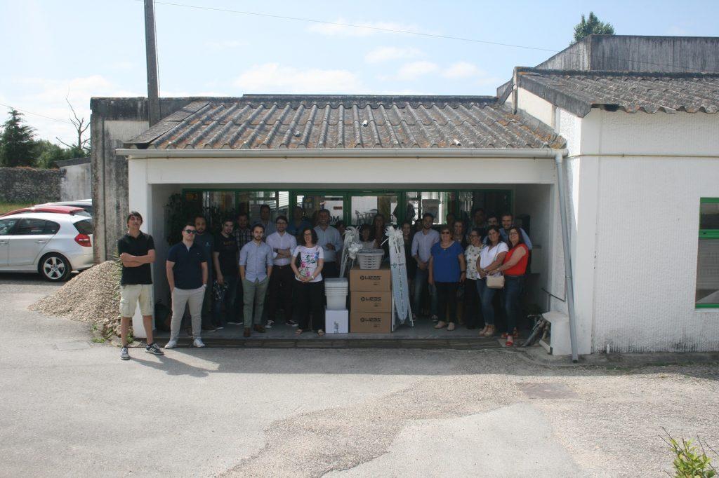 Donativos e equipa da Weas na visita á APPACDM